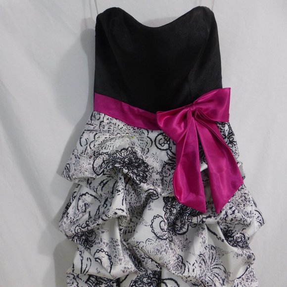 Stunning Dress, Size 5, Made In the USA BNWOT